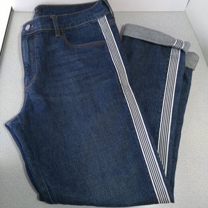 Jeans With Side Trim